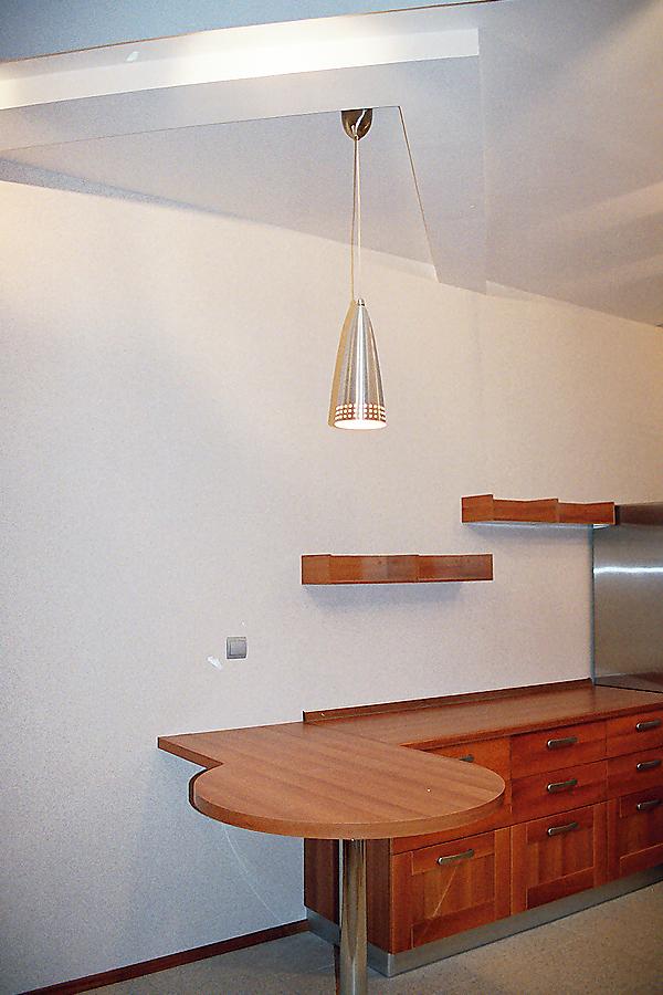 Барный стол в кухне