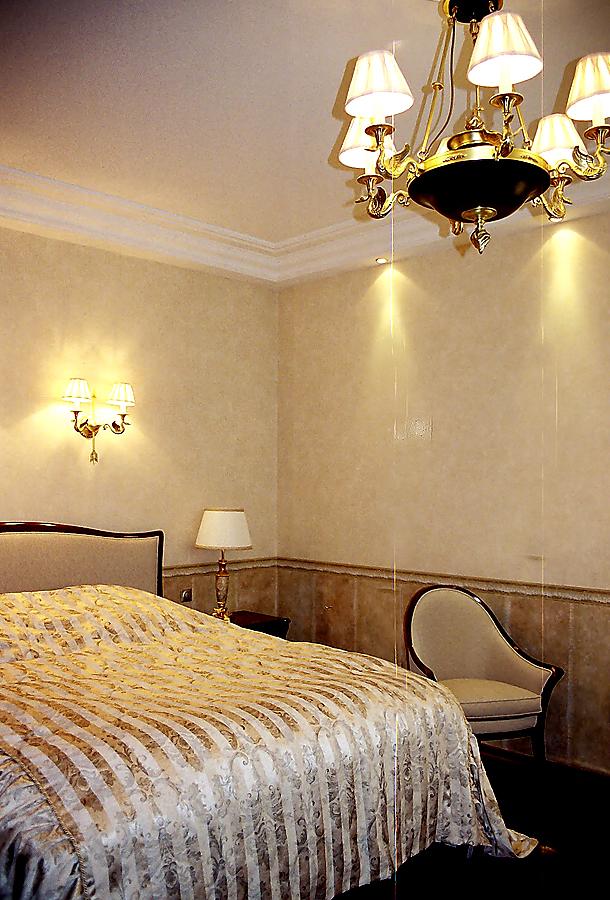 Спальня в классике