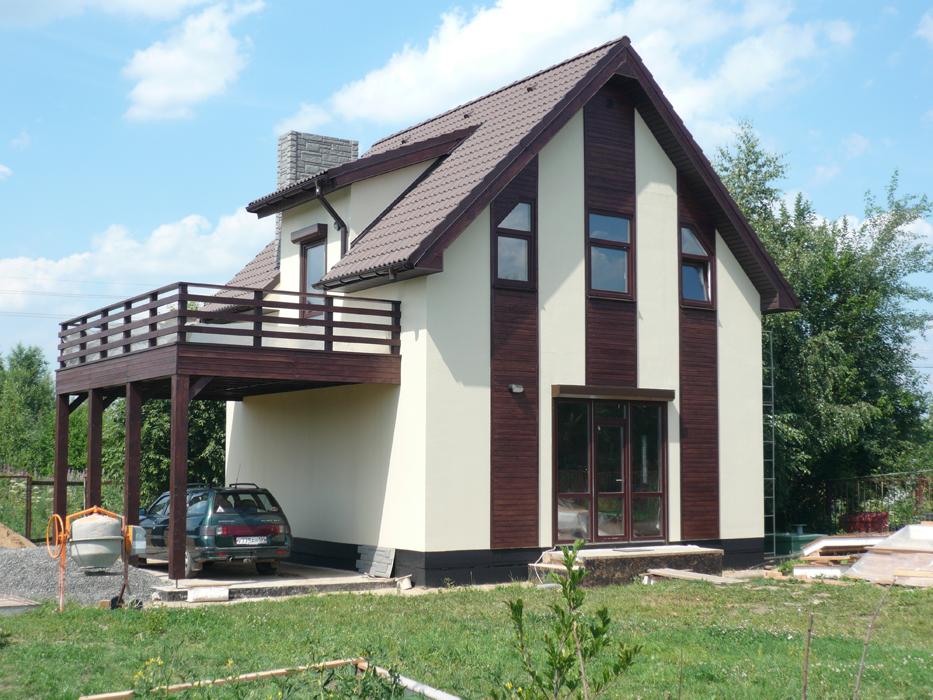Дом с навесом- балконом для автомобиля